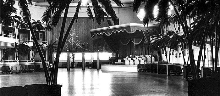 700w-1947-Grove-Ballroom